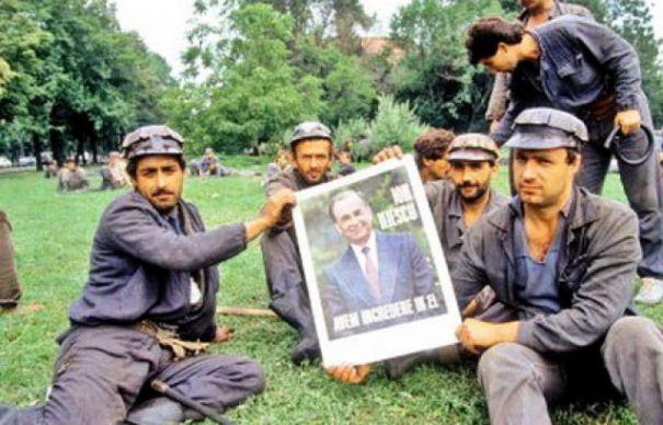 Mineriada din iunie '90. Iliescu și Roman acuzați de crime împotriva umanității