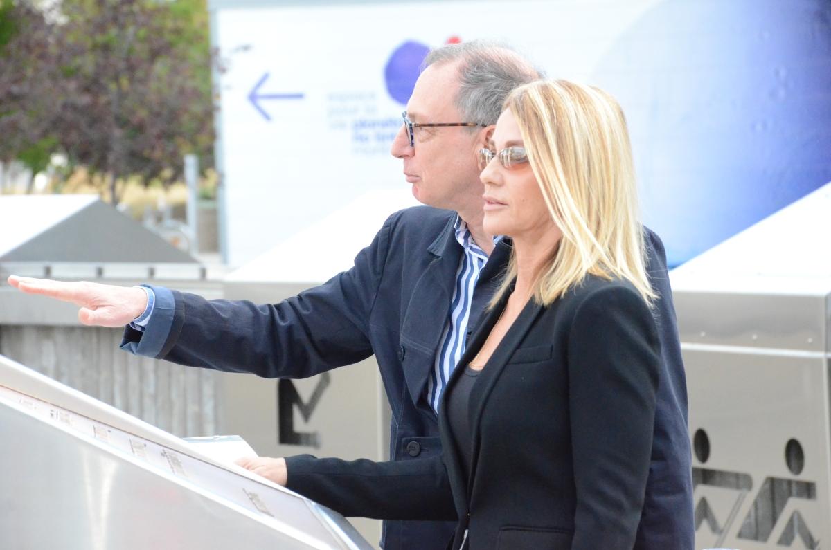 Michel Labrecque, directorul Parcului Olimpic și Nadia Comăneci