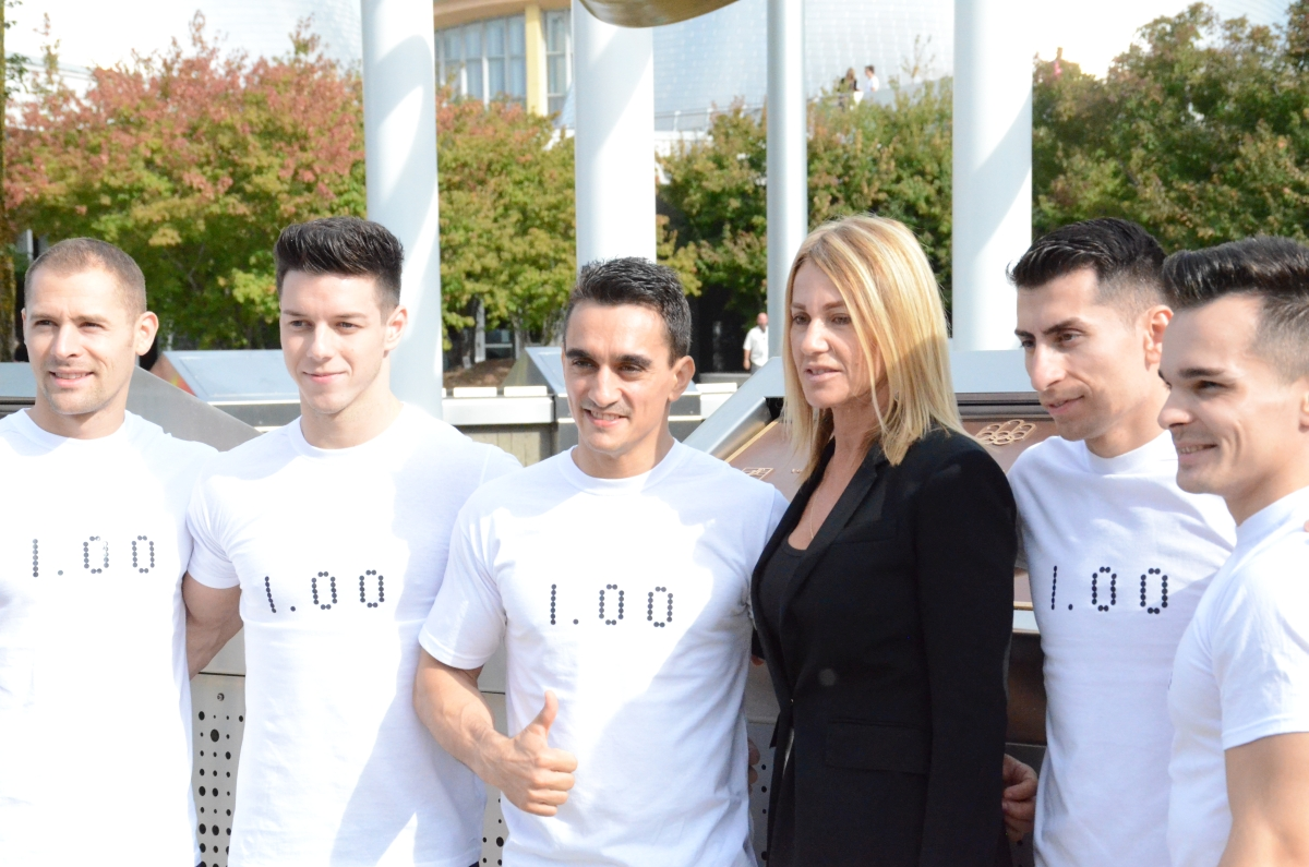 Nadia Comaneci alături de gimnaștii români