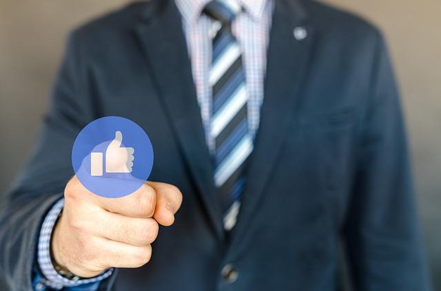 roboti facebook