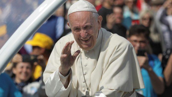 papa francisc Romania