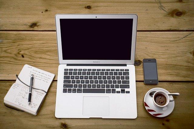 lucrați acasă în ziua